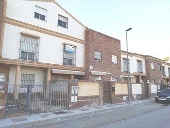 #ViviendasSevillaVenta Chalet Adosado en venta en Alcala Del Rio