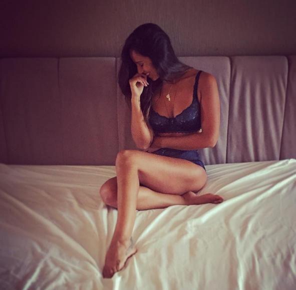 Rita Pereira na cama – Maxmen