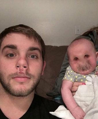 LOOOOOOOOL I'VE NEVER LAUGHED SO HARD — A face swap gone horrible wrong. I'm going to have nightmares about this! Here's my compilation of more hilarious and creepy face swaps!