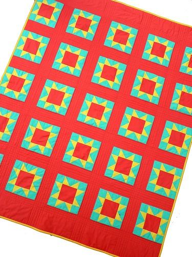 solid sawtooth star quilt by redpepperquilts