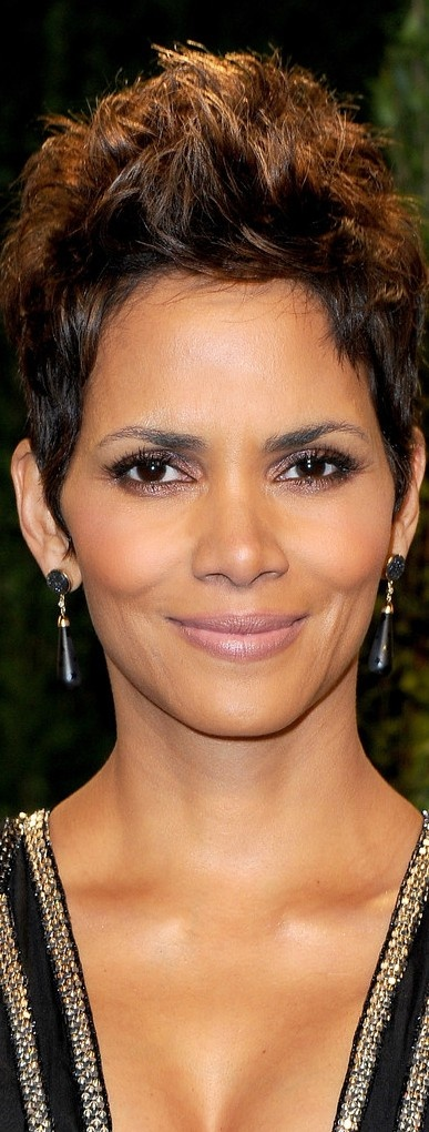 {Grow Lust Worthy Hair FASTER Naturally} ========================== Go To: www.HairTriggerr.com ========================== Halle Berry's Beauty Is Sickening and FLAWLESS!!!!