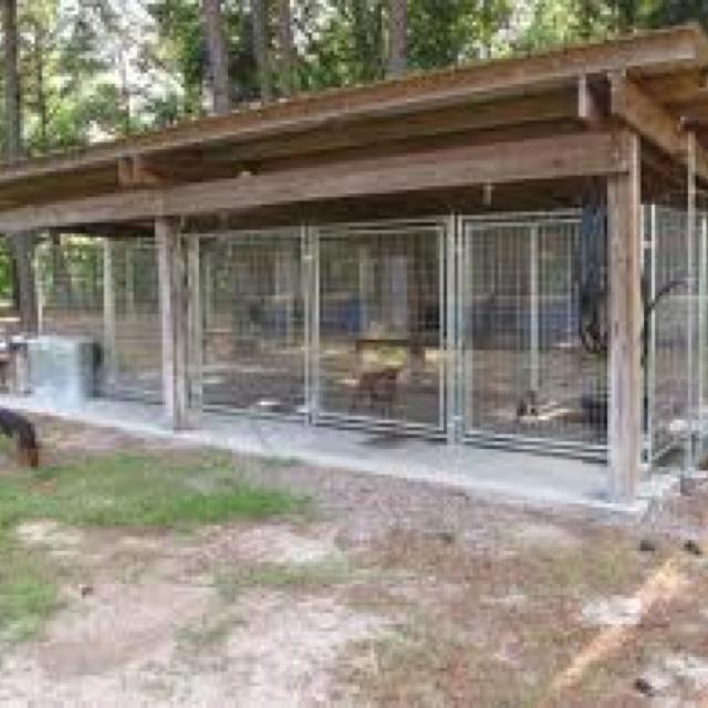51 best pallets dog houses images on pinterest dog kennels