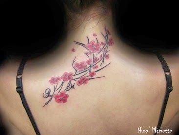 """FLEURS DE CERISIER/ FLOWERS OF CHERRY TREE  Le tattoo réalisé sur le haut du dos est tout simplement magnifique et purement estéthique. Il dégage de la douceur et de la beauté à la fois.. """"Les fleurs de cerisier ne sont bénies que lorsqu'elles sont toutes tombées.""""Nico.Mariette TATTOO"""