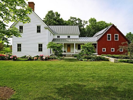 As 25 melhores ideias de white farm houses no pinterest for Farmhouse interior design characteristics