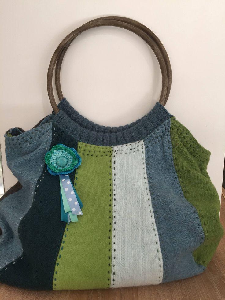 Een persoonlijke favoriet uit mijn Etsy shop https://www.etsy.com/nl/listing/523980388/vintage-tas-van-gevilte-wol