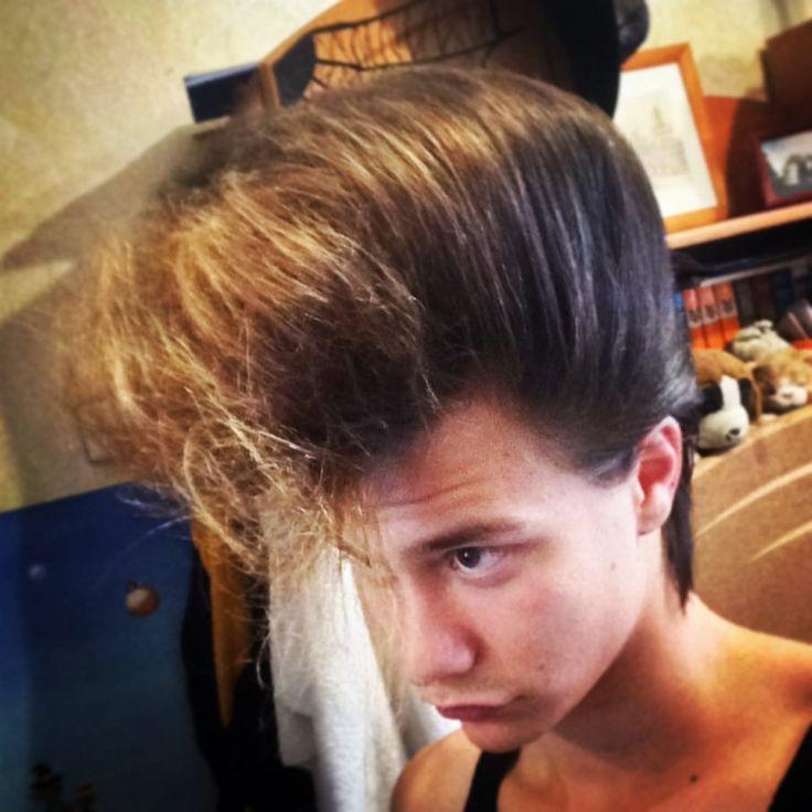 Bless my son! #music #rockabilly #rockabillylife #hair #spray #messhair #messy #rocknroll #rockabilly #rockabillystyle #rockabillylifestyle #rockabillyboy #pompadour #pomp #quiff #grease #love #couple #saintp #saintpetersburg #hair #retro #vintage #style #psycho #psychobilly #barber #suavecito #reuzel #rocknroll #elvis #fan