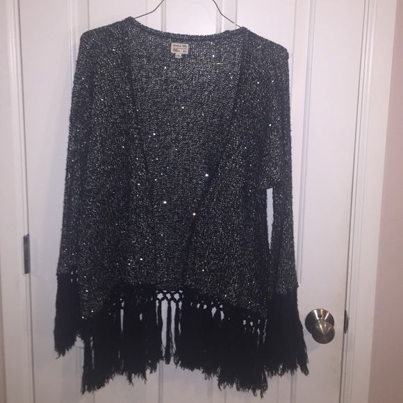 RVCA Sparkly knit cardigan RVCA Sparkly knit cardigan with bell sleeves & fringe. Perfect condition RVCA Sweaters Cardigans