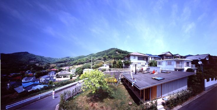 Built by Tezuka Architects in , Japan with date 2009. Images by Katsuhisa Kida. Number of stories: 1F   This house boasts chairs, a table, a kitchen and a shower on its rooftop. Each family member ...