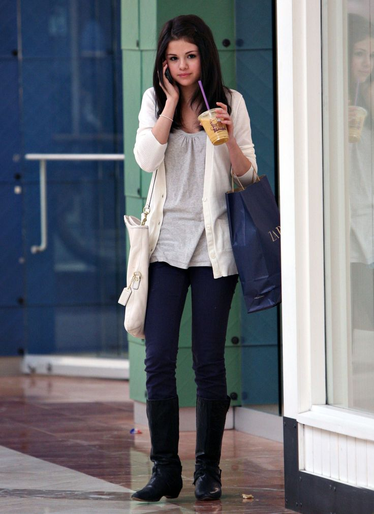 Selena Gomez Street Style Long Sweaters Selena Gomez Casual And Style
