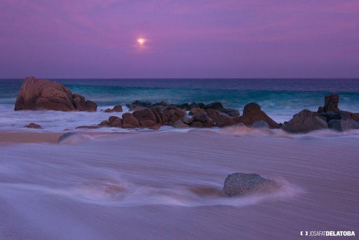 Lovely full moon #josafatdelatoba #cabophotographer #landscapephotography #loscabos #bajacaliforniasur #fullmoon #sanjosedelcabo