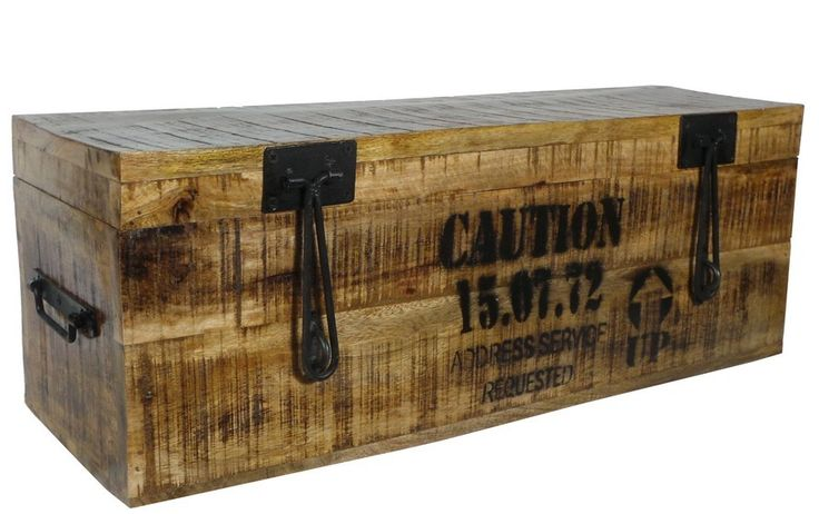 17 meilleures id es propos de malle en bois sur pinterest malles vintage malle bois et black. Black Bedroom Furniture Sets. Home Design Ideas