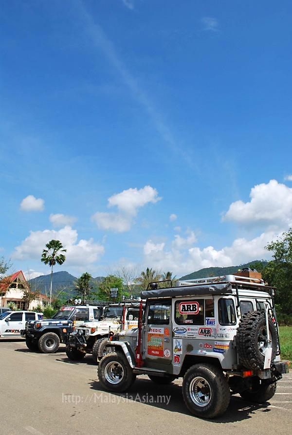 4WD in Borneo
