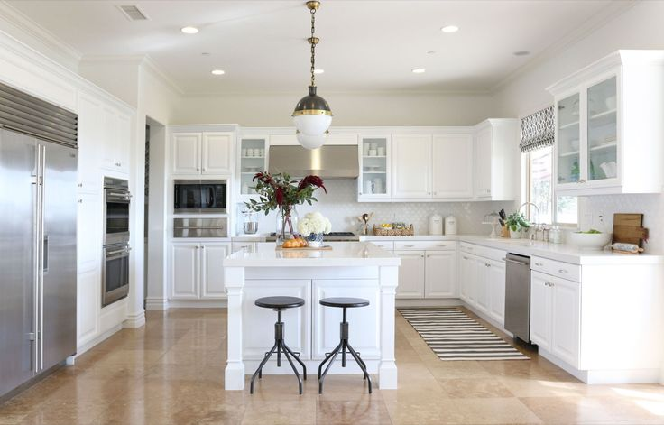 How White Kitchen Cabinets Can Update A Space