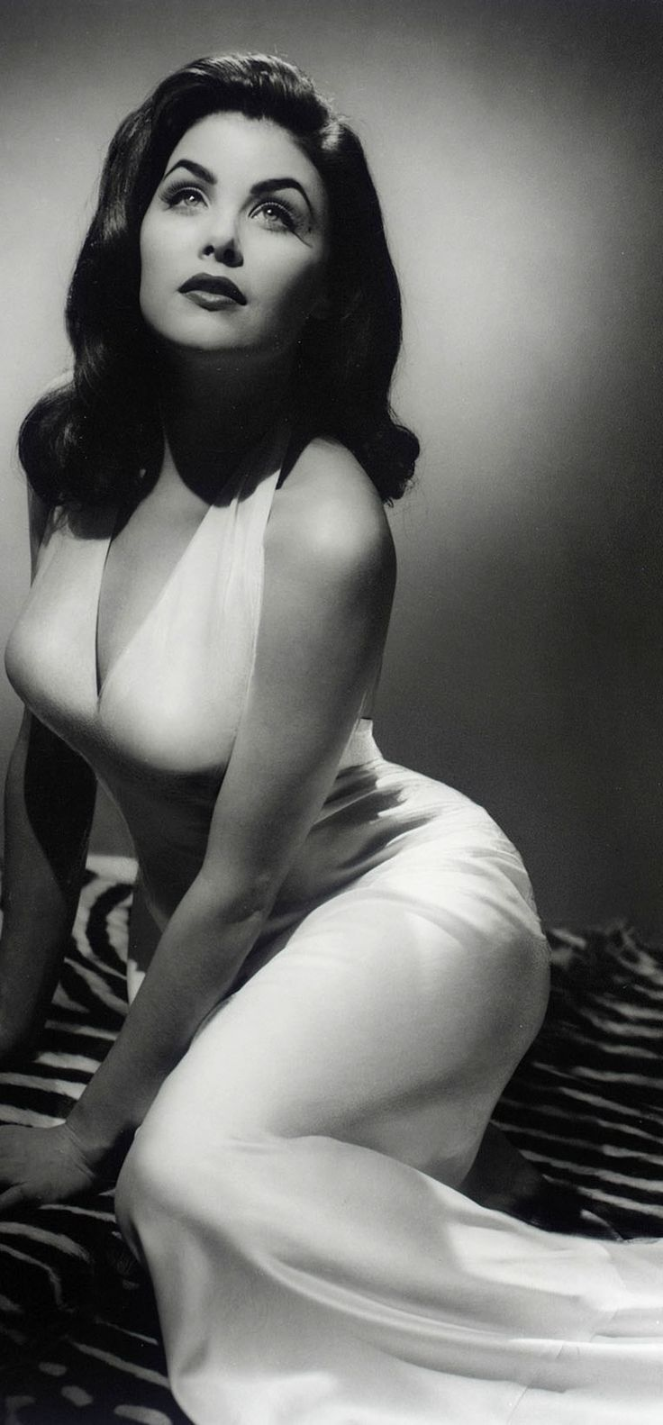 Sherilyn Fenn. One of the most Absolutely Beautiful Women ever.