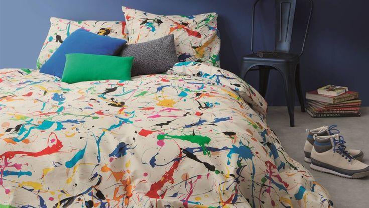 Geef de slaapkamer meer kleur met dit SNURK Splatter dekbedovertrek! Op het witte overtrek staan verfspetters in verschillende felle kleuren. Kleurrijk!