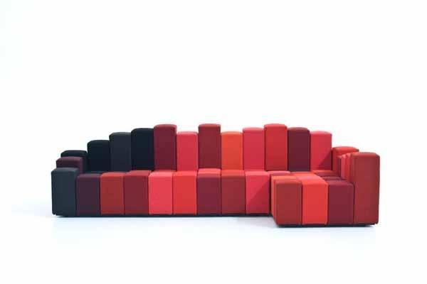 Divano Do Lo Rez - Moroso, sofa contemporary composed of several modules, the shape of a parallelepiped, of a square base, soft, of different heights. Divano contemporaneo costituito da tanti moduli a forma di parallelepipedo, di base quadrata, morbidi, di diverse altezze che affiancati l'una all'altro vanno a costruire la sua estetica.  #arredamento #design #divano