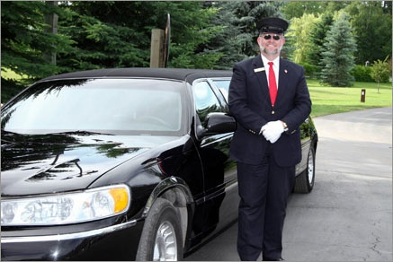 We have been providing outstanding, comfortable and safe chauffeured transportation services for customers who are planning a trip to and from Chicago both for corporate and leisure. Our well-maintained and diversified fleet of luxurious motor vehicles together with our team of knowledgeable and outstanding office staff and expert drivers offers top quality service to guarantee customer endorsement.