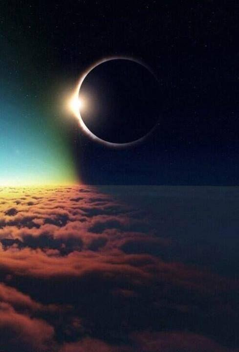 Um eclipse do Sol visto a 35 mil pés, ou quase 10 mil metros, de altura.