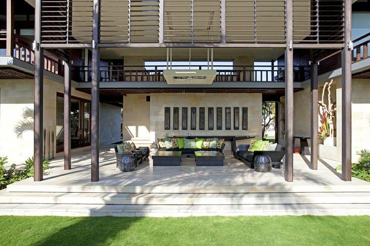 Bendega Nui living room. http://prestigebalivillas.com/bali_villas/bendega_nui/23/reservation_and_rate/