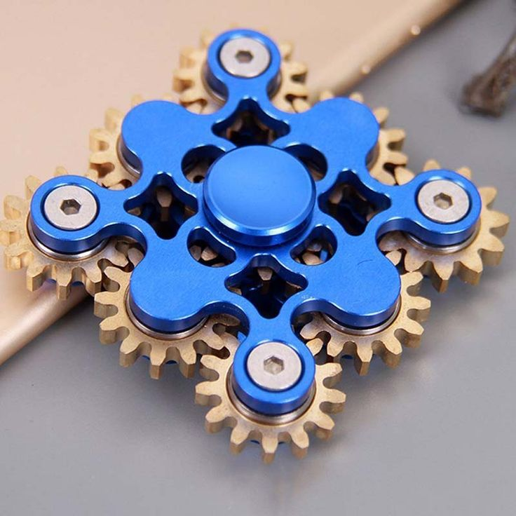 15 best SUPER COOL 9 BEARING GEAR LINKAGE HAND TRI SPINNER FIDGET