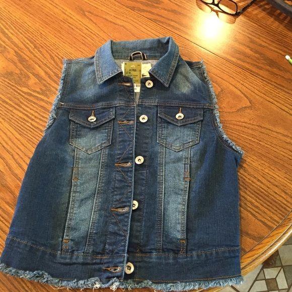 Jean vest. Jr. Sz Med. NWT blue jean vest from ROSS. YMI Other