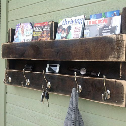 Clever use of a reclaimed pallet from (del)HutsonDesigns