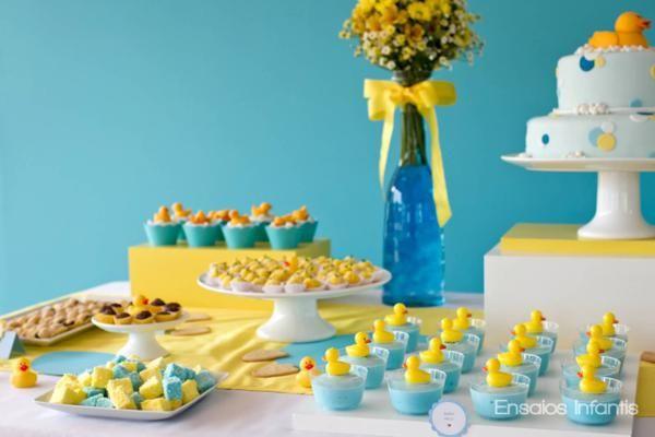A precious rubber duck shower- the color scheme is picture-perfect!!    Catarina_1ano-58-1_600x400