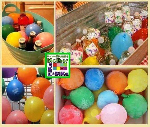 Uma maneira colorida e divertida de gelar a bebida em dia de comemoração. Basta encher as bolas de borracha e congelar.