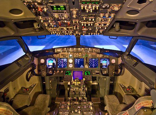 Cabina de mando Boeing 737