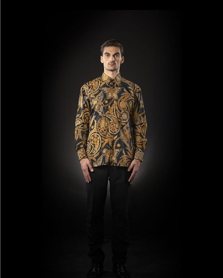 """""""Lereng"""" features rows of diagonal lines. The motif originated from Yogayakarta and is one of the oldest batik motif that are once reserved only for the royal family. """"Lereng"""" symbolizes fertility, the desire for prosperity, determination, to have courage to do what is important to both the nation and the people.Here Iwan Tirta combines with butterfly. Butterfly symbolizes happiness in life.  See men collection at iwantirtabatik.com  #iwantirta #leadersweariwantirta"""