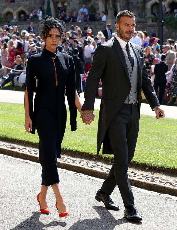 Die 10 Schonsten Looks Der Gaste Das Wurde An Harry Und Meghans Royaler Hochzeit Getragen Victoria Beckham Outfits Victoria Beckham Stil Modestil