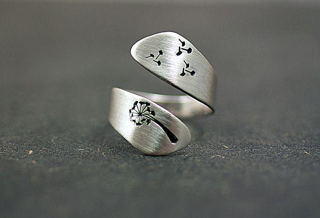 Серебряные кольца – стерлингового серебра одуванчика крутил кольцо,handstamped – уникальный продукт по VillaSorgenfrei на дача вдохновения