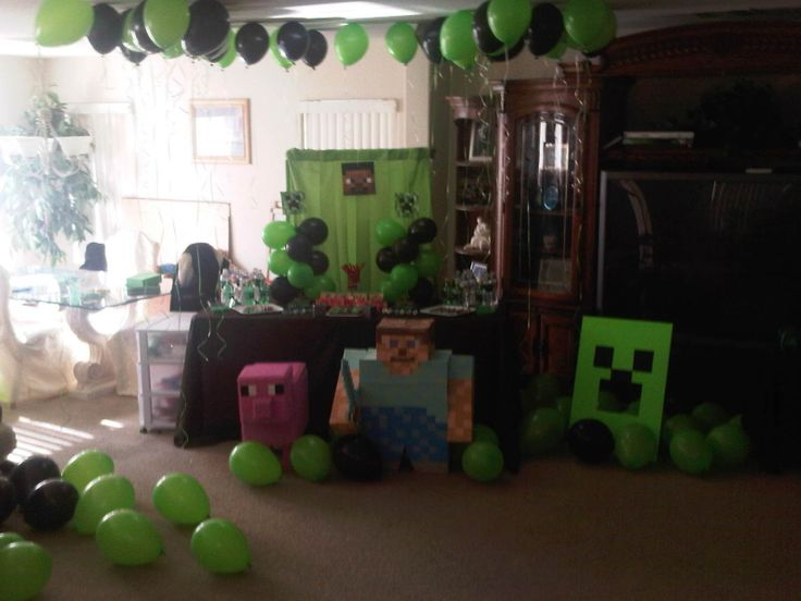 Mine Craft Birthday Party Table And Props