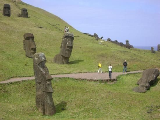 Easter Island, Chile: Easter Islands, Islands Chile, Chile Buckets Lists, Raraku Easter, Ire East Islands, Travel Vacations, Must Se Islands Spongebob, Bucket Lists, Chile Travel