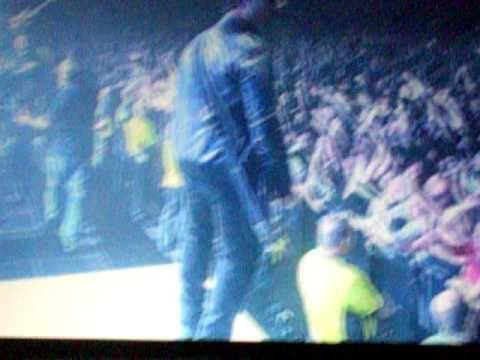 ▶ Stereophonics - Dakota 3rd December at SECC Glasgow - YouTube