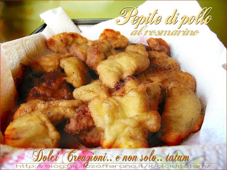Pepite di pollo al rosmarino e limone un secondo piatto a base di carne di pollo, più precisamente di petto, ridotto a bocconcini, lasciati macerare per ...