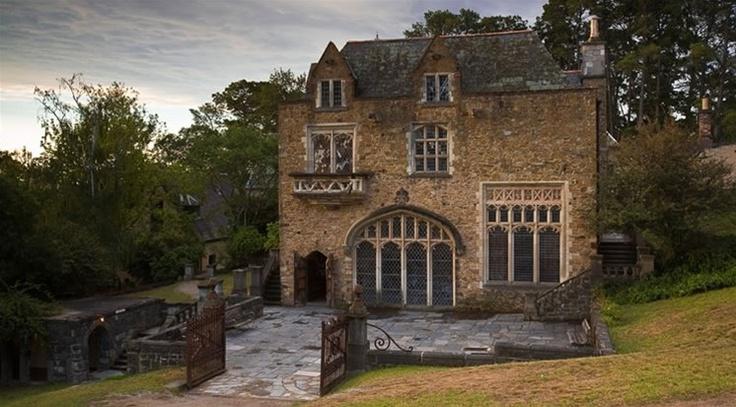 Montsalvat > Not For Profit - Art Centre / Wedding Venue / Melbourne Australia