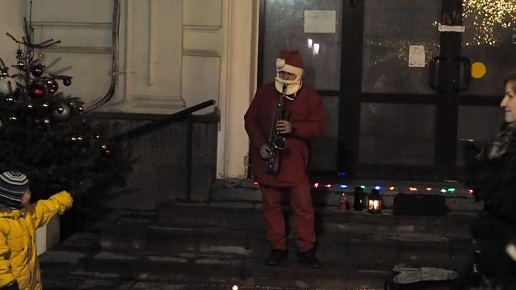 Дед Мороз с саксофоном (Santa Claus with saxophone)
