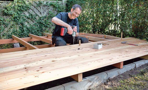 die besten 17 ideen zu holzterrasse auf pinterest holzdeck pool gartenbau und terrasse bauen. Black Bedroom Furniture Sets. Home Design Ideas