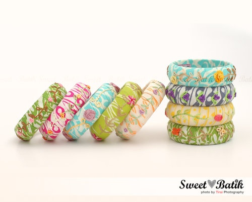 Hand embroidery bangles by Sweet Batik Indonesia.