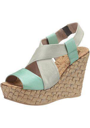 Босоножки - http://www.quelle.ru/New_arrivals/Shoes/Women_shoes/Women_sandals/Woman_Sandals_on_platform_Wedge_heeled/Bosonozhki__r1260942_m293610.html?anid=pinterest&utm_source=pinterest_board&utm_medium=smm_jami&utm_campaign=board5&utm_term=pin38_09042014 Босоножки мятного цвета. Стиль-сафари. Идеально сочетаются с юбкой или брюками. #quelle #big #size #shoes #sandals #mint #trend #safari
