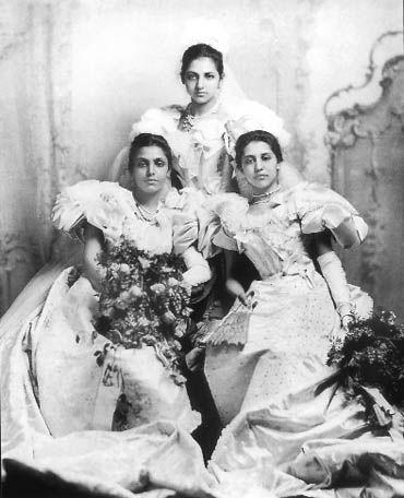 Sikh women from history  Sophia Duleep Kaur Singh, right, seen with her daughters Bamba and Catherine