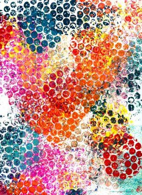 Bubble wrap Painting PART 1. So easy a toddler can do it. But frame it, make it your own and it becomes something you can hang on a wall :) Check out Part II posting of bubble wrap art made by a real artist. Amazing what you can do.From incredible@rtdepartment here.