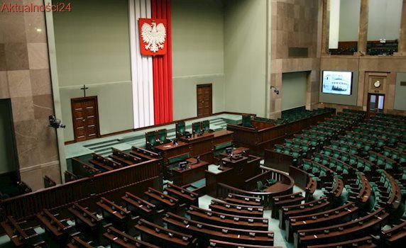 """Chce """"zaostrzonego reżimu moralnego"""" w Sejmie. Jest kolejny apel byłej żony Kamińskiego"""