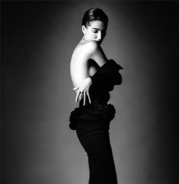 Jeanloup Sieff est un célèbre photographe français d'origine polonaise. Ses clichés, principalement en noir et blanc ont fait le tour du monde.