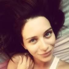 Resultado de imagen para esposa joven melek