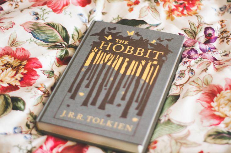 Closeup/Detail shots of Lord of the Rings + Hobbit box set books.