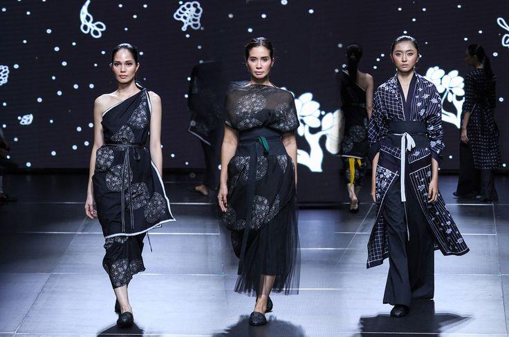 Batik Gaya Modern, Muda dan Etnik Dari 'Sejauh Mata Memandang' | Fimela.Com