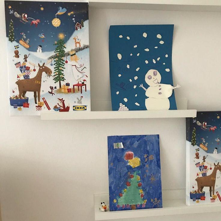 #selbstgemacht | #xmasismore hat mein 7-Jähriger einen #Adventskalender für uns. Hinter jeder Tür versteckt sich ein gemaltes Bild. Damit übertraf er sich selbst.  Da mein Mann den Kindern unbedingt einen Lego- und Playmokalender kaufen wollte damit sie nicht so viel Schokolade  essen (hahahaha) verschenkten wir zwei Kalender von vier und überraschten die Kinder mit Lego & Playmokalender. So viel zu meinem angestrebten #Minimalismus. Wir lernten mehrere Sachen: 1. Was man mit Kindern…