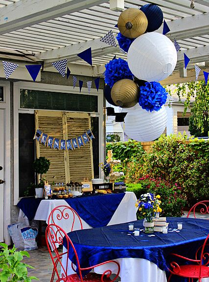 Amanda's Parties TO GO: Graduation Party - Customer Feature